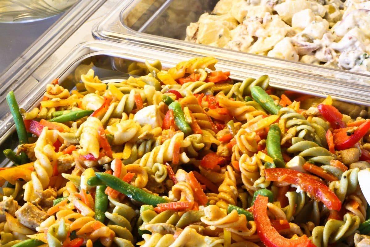 pasta-salaatti